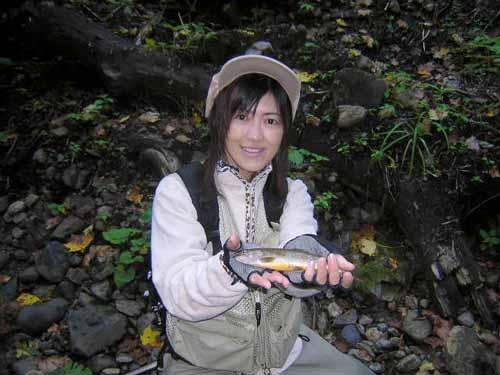 Y子やっと岩魚をゲット